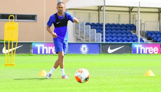 Chelsea new signing train Ziyech trains with the team for first time