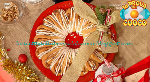 Corona di Natale con noci uvetta e cannella ricetta Natalia Cattelani