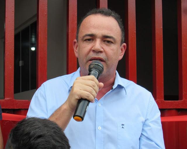 Robson Reille: Erlânio Xavier inaugurou três escolas e mantém o ...