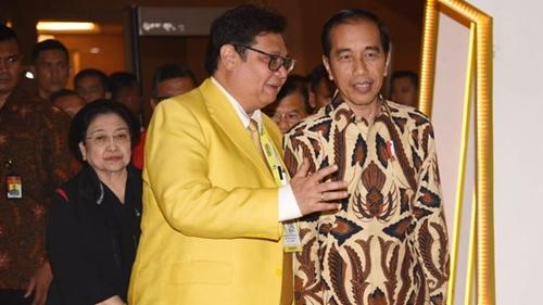 Bikin Kaget, Pengamat Sebut Jokowi Merapat ke Golkar