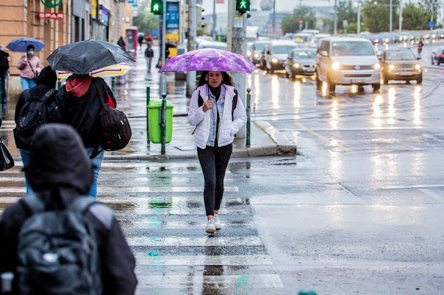 Még napokig marad az esős idő