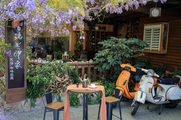 嘉義梅山瑞里印象民宿咖啡紫藤花季,喝咖啡下午茶欣賞紫藤花瀑