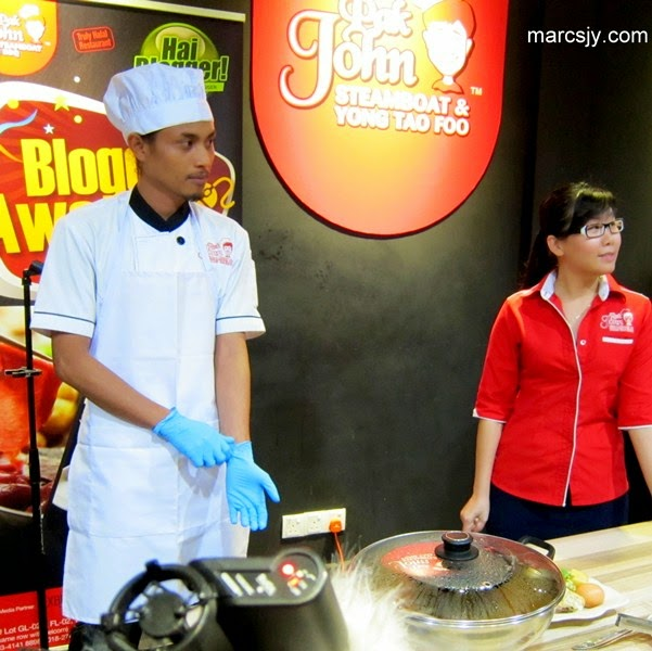 Pak John Steamboat & Yong Tao Foo Blogger Award 2014 @Wangsa Walk Mall