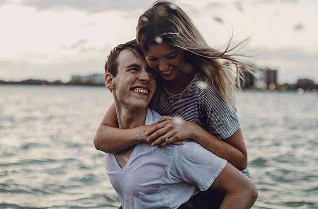 7 Cara Jitu Membuat Kaum Wanita Menjadi Terpikat, Jatuh Cinta Dan Tertarik Kepada Anda, Cara Pria ini 100 % Ampuh