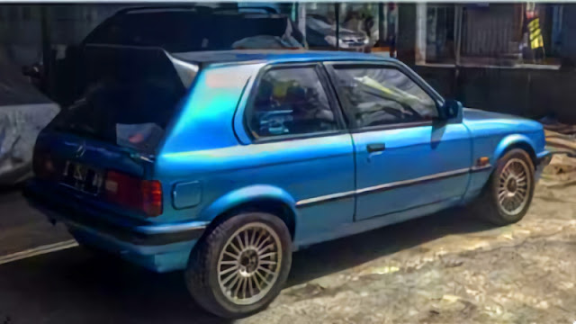 BMW E30 Custom Hatchback modified 3