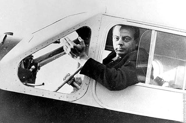 Antoine de Saint-Exupéry avion el principito