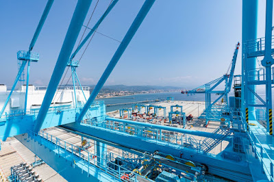 APM Terminals Vado Ligure: nuovo collegamento con il porto del Pireo