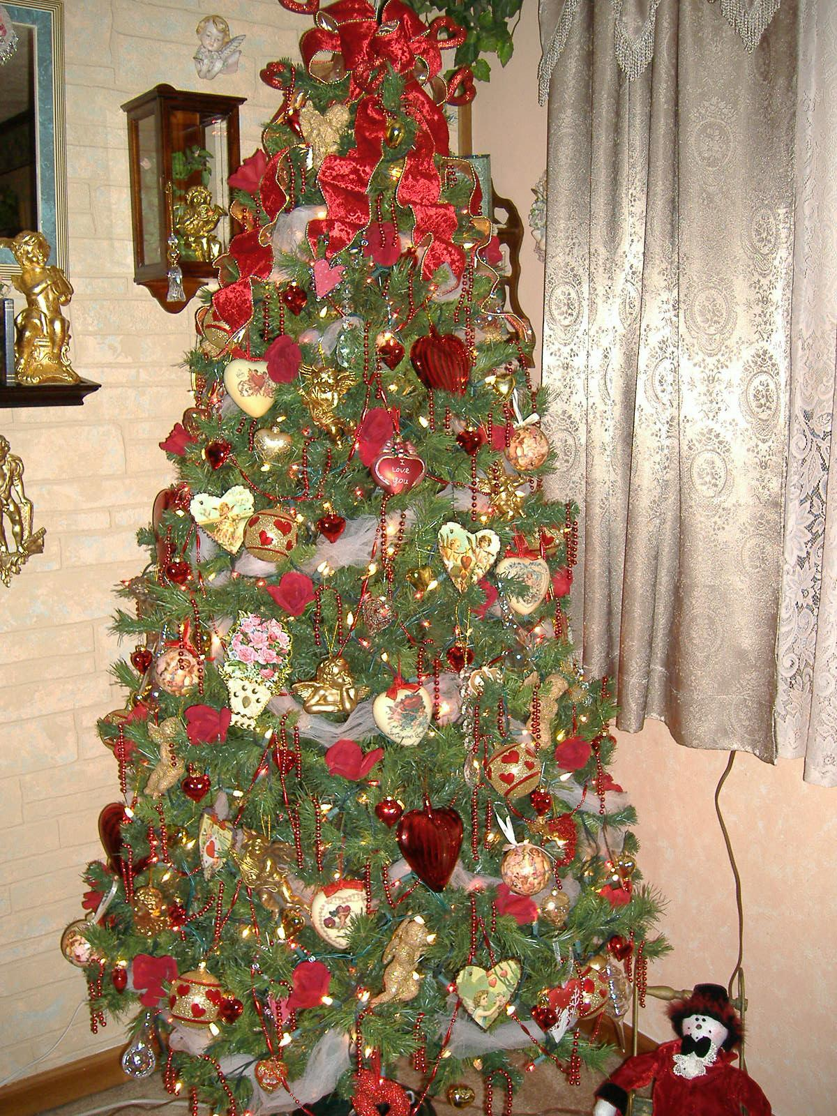 Valentine Decorations For Christmas Tree