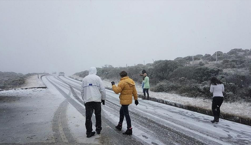 A neve promete voltar ao Brasil no fim desta semana. O fenômeno reaparece para as áreas mais elevadas das Serras Gaúcha e Catarinense na noite de quinta para sexta-feira