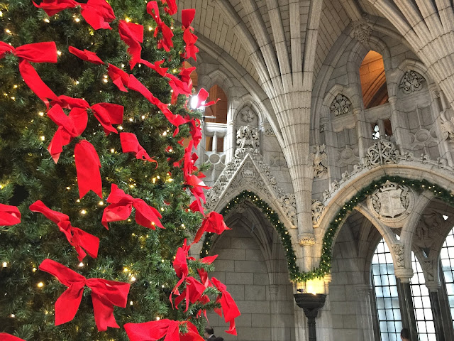 Ottawa's Parliamennt dressed for Christmas