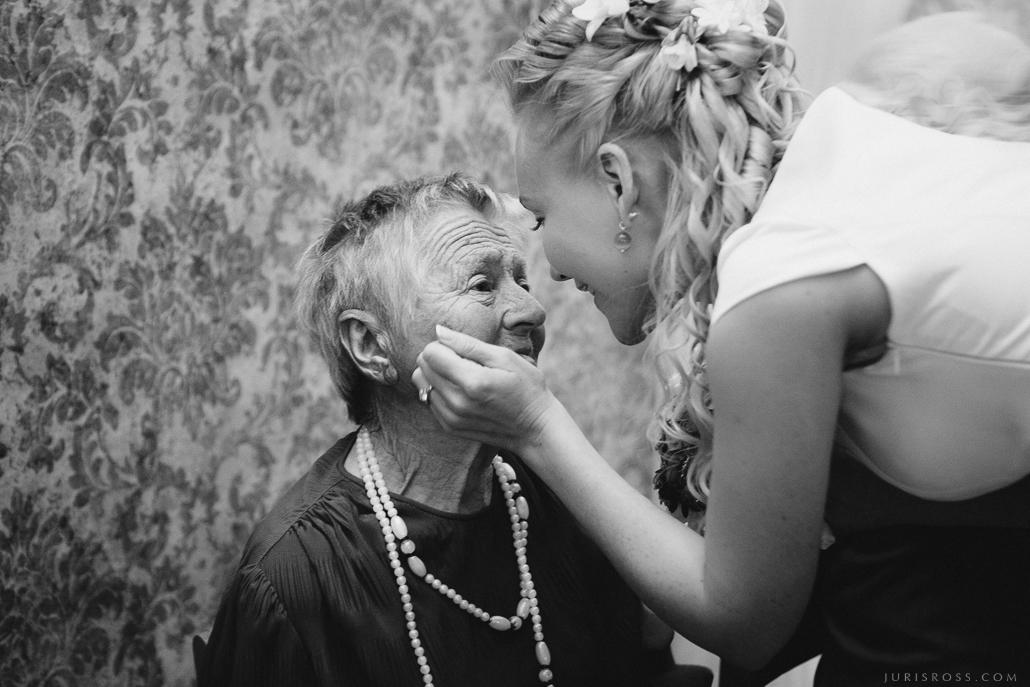 sirnsnīgas kāzas