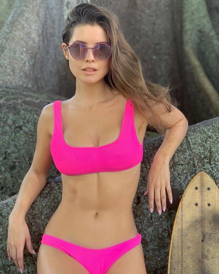 Hot Actress Amanda Cerny Sexy bikini Pictures
