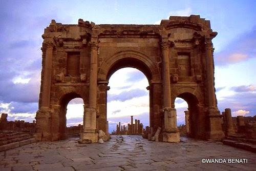 Arco di Traiano a Timgad