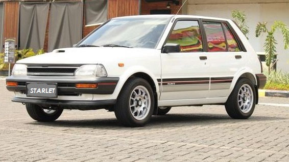 Toyota Starlet Kotak EP70 EP71 Putih