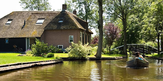 Top 10 travel destinations in Amsterdam