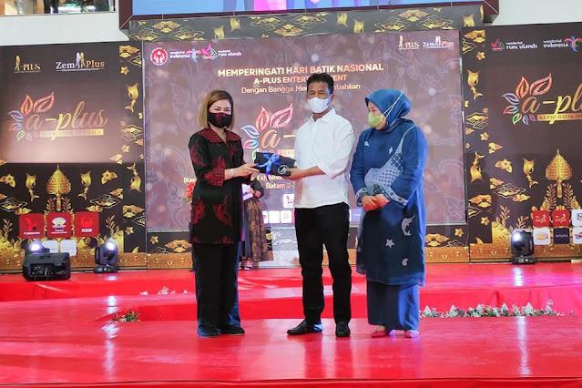 Rudi Menghadiri Kompetisi Pameran Fashion Batik Kepri