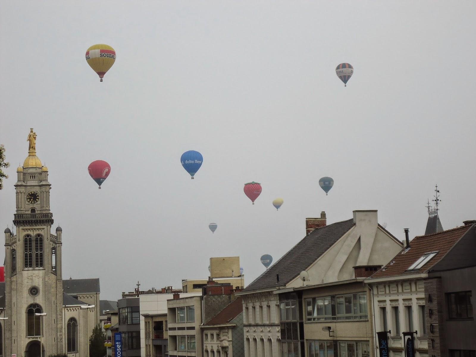 Travel Sint-Niklaas Peace Festivities Ballooning event Belgium