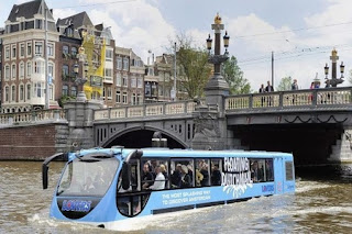 Плаващ автобус