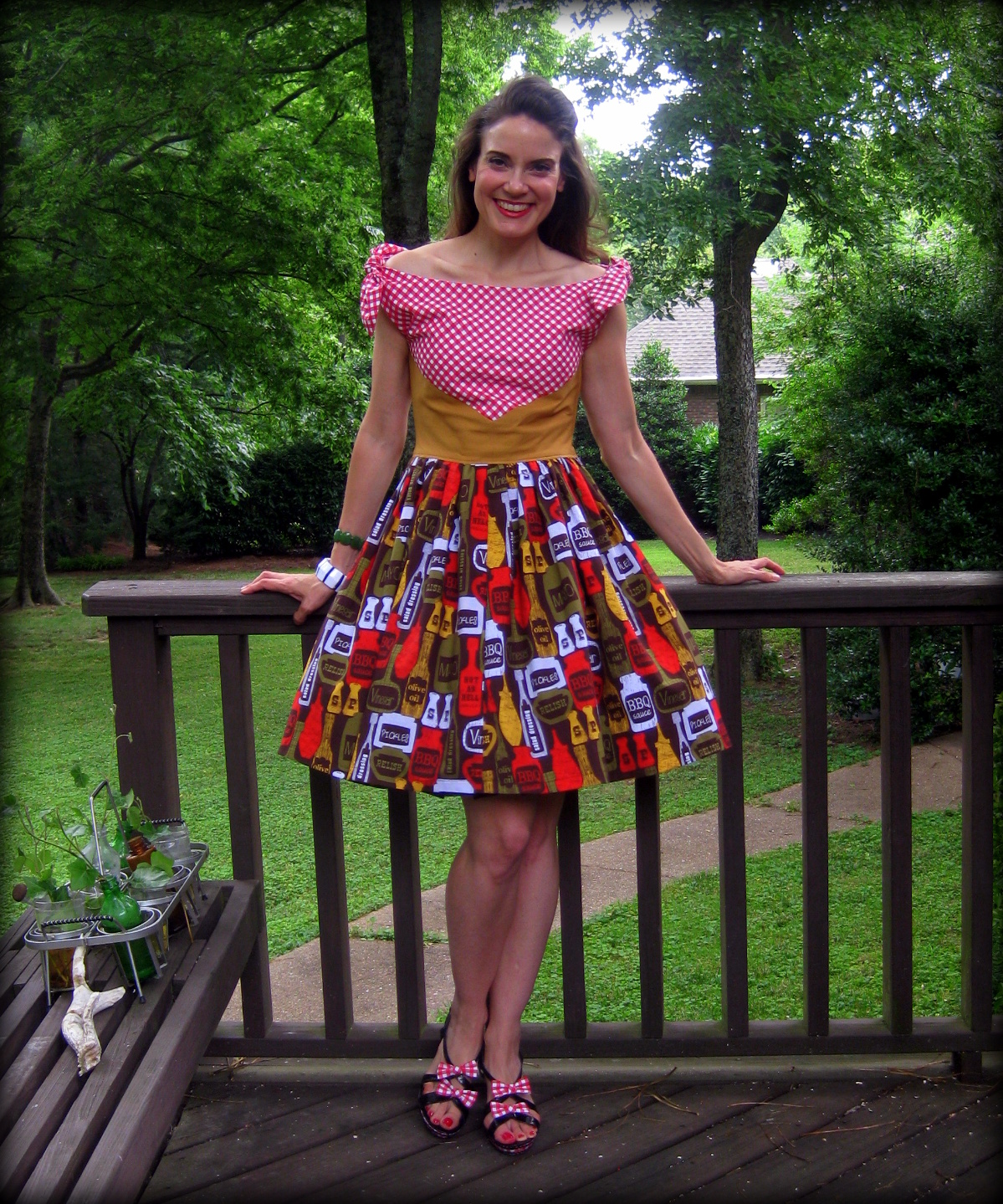 Cassie stephens diy a 1960s diner dress or why i think butterick diy a 1960s diner dress or why i think butterick 5708 is the devil solutioingenieria Images