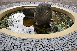 April 2015 - Stillstand des Mühlenradbrunnens