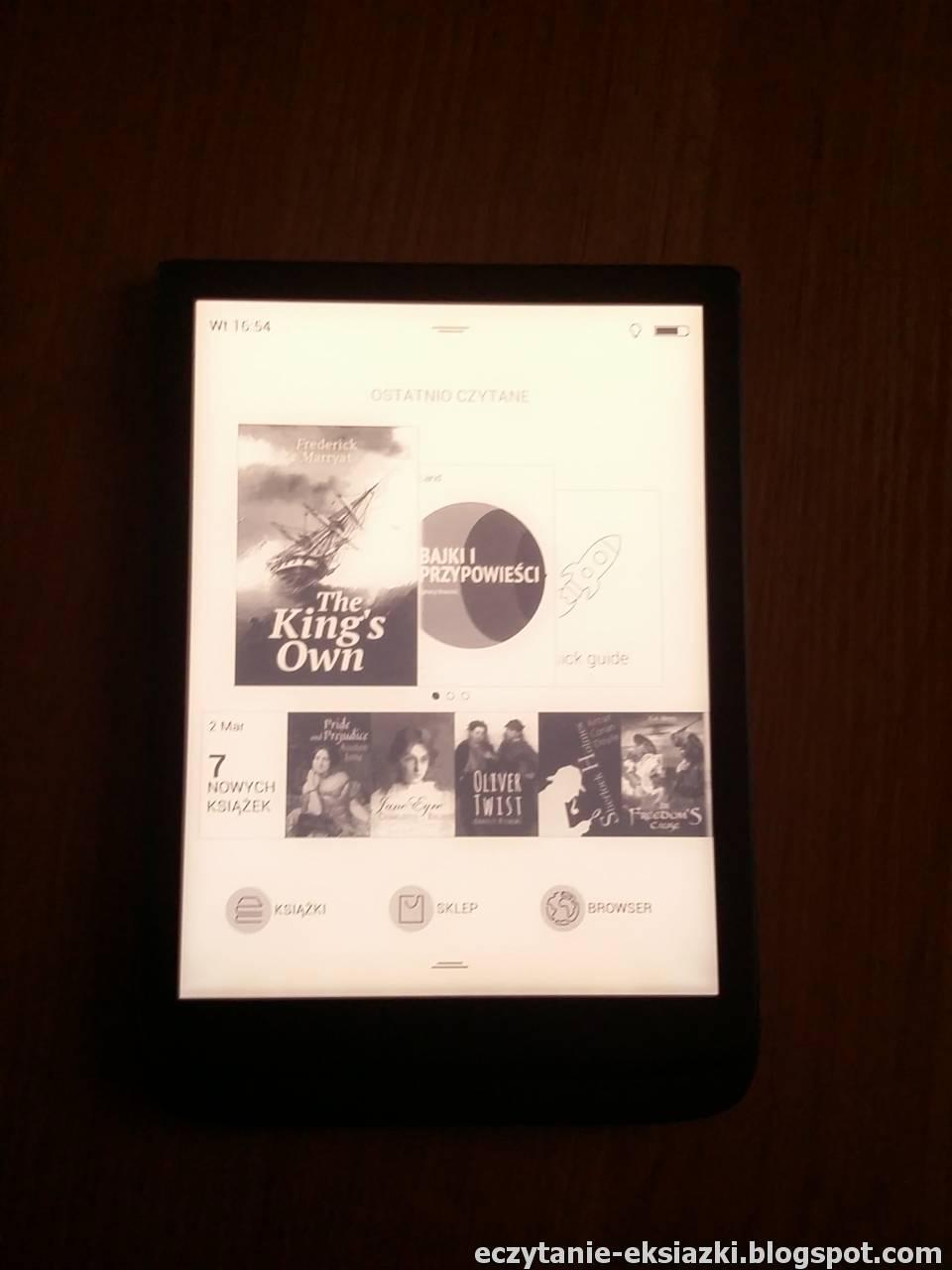 PocketBook InkPad 3 z włączonym podświetleniem