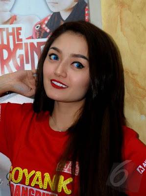 Foto Cantik Siti Badriah Terbaru