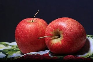 How many calories in an apple?