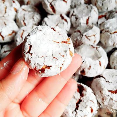 حلويات حليمة الفيلالي : غريبة بالكاوكاو و الزنجلان