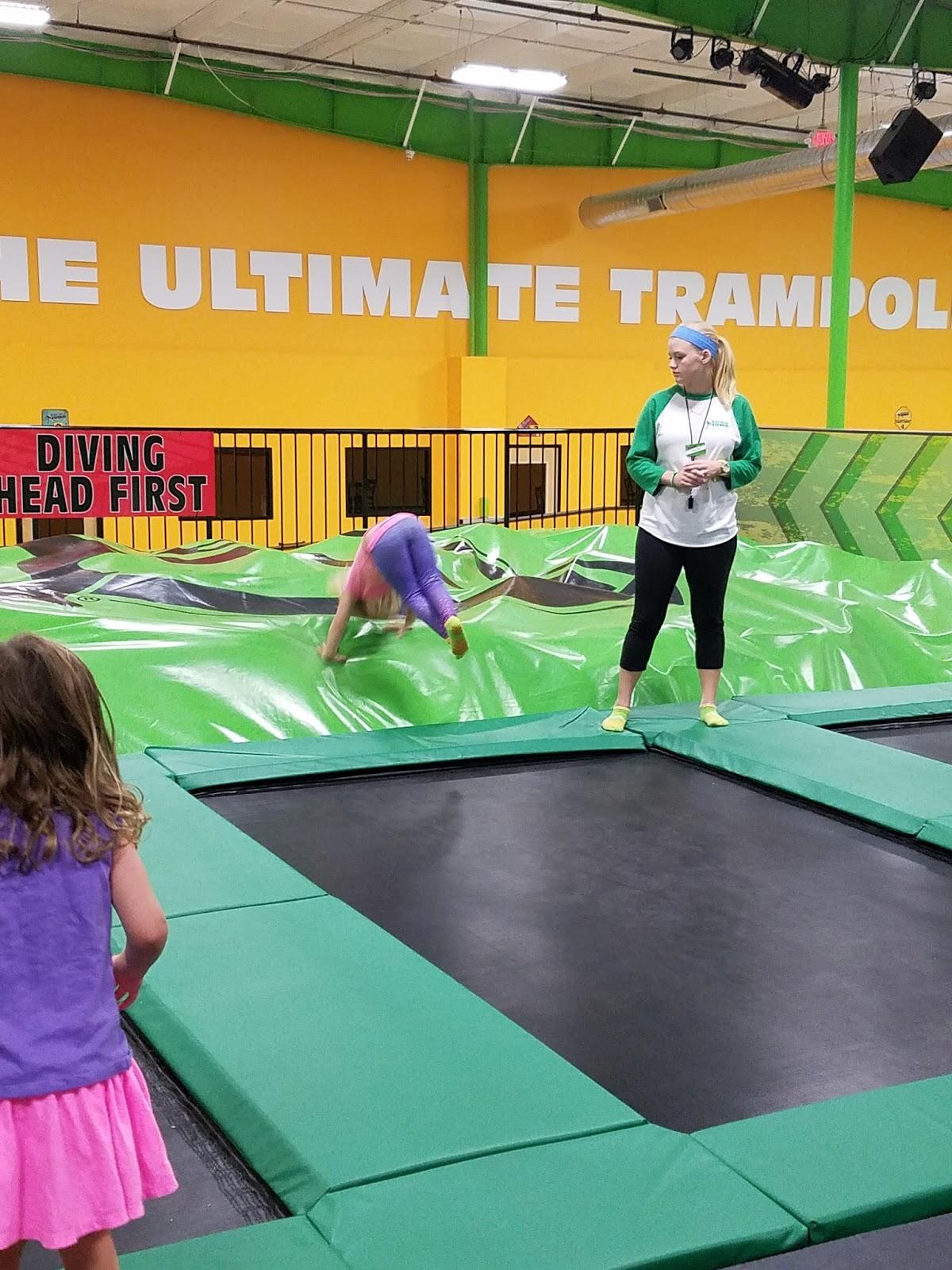 play st louis rockin 39 jump trampoline park o 39 fallon mo. Black Bedroom Furniture Sets. Home Design Ideas