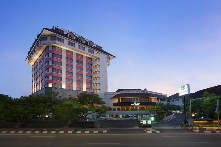 Hotel Santika Premiere Lokasi Strategis Di Pusat Kota Semarang