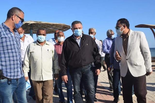 محافظ البحر الأحمر يتفقد المشروعات الخدمية بالقصير ويزور مصابى حادث الأتوبيس