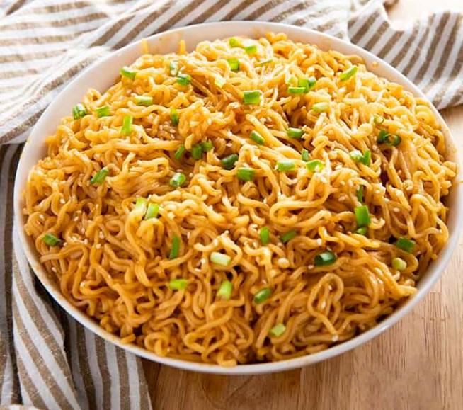 Sesame Garlic Ramen Noodles #easyrecipe #noodles