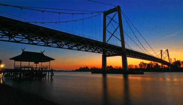 Jembatan Barito Kalimantan