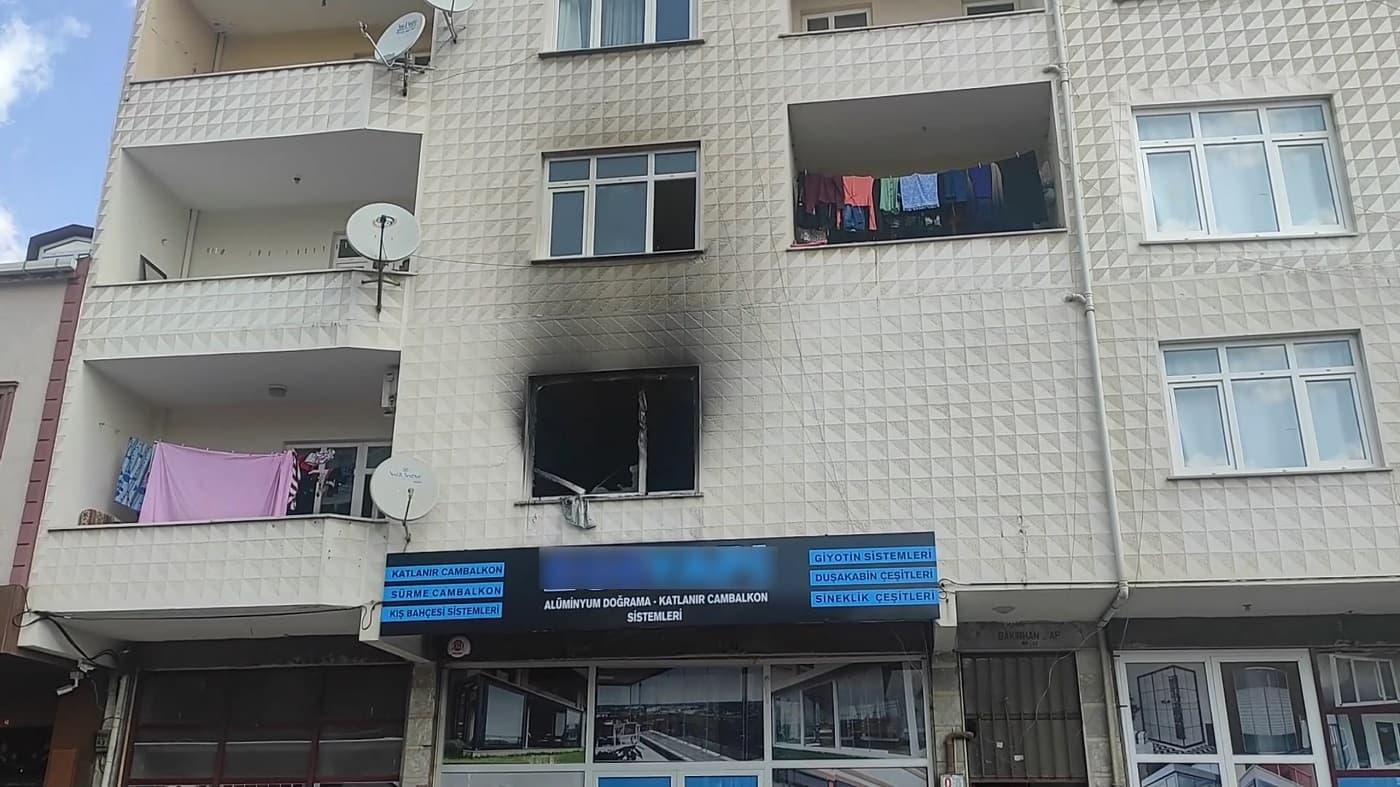 Samandıra'da yangın: Anne ve çocuğu hastaneye kaldırıldı