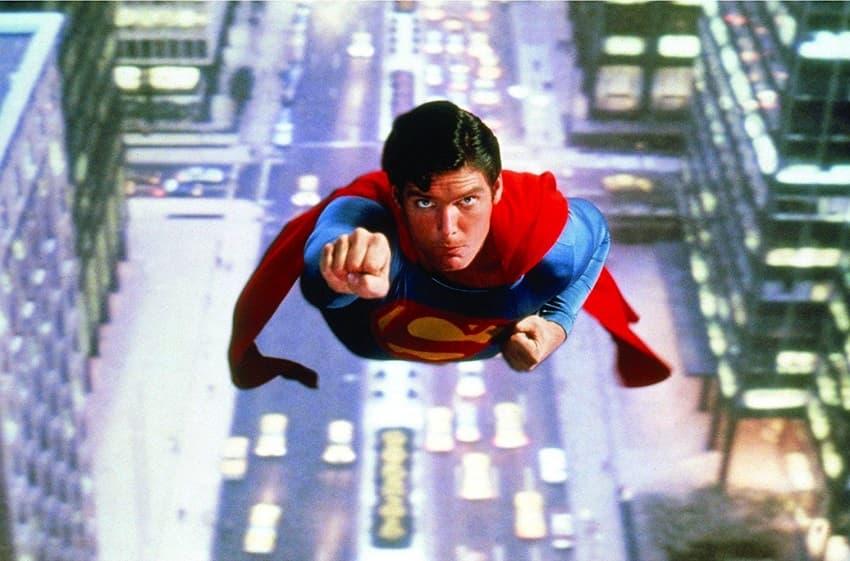 Режиссёру классического «Супермена» не нравятся современные мрачные кинокомиксы