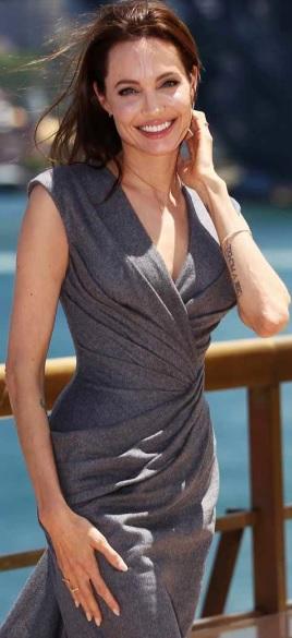 Foto de Angelina Jolie al aire libre