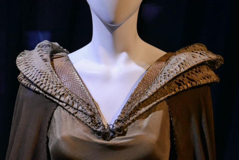 Maleficent 2 reptilian collar costume detail