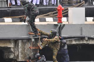 Prajurit TNI AL