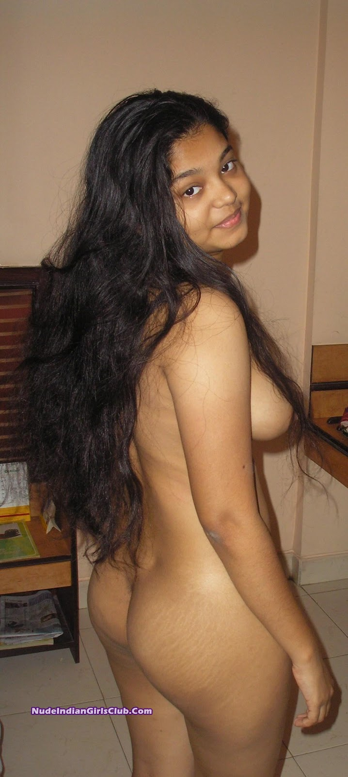 Horny tamil girl showing and very hard fingering on video ca 8