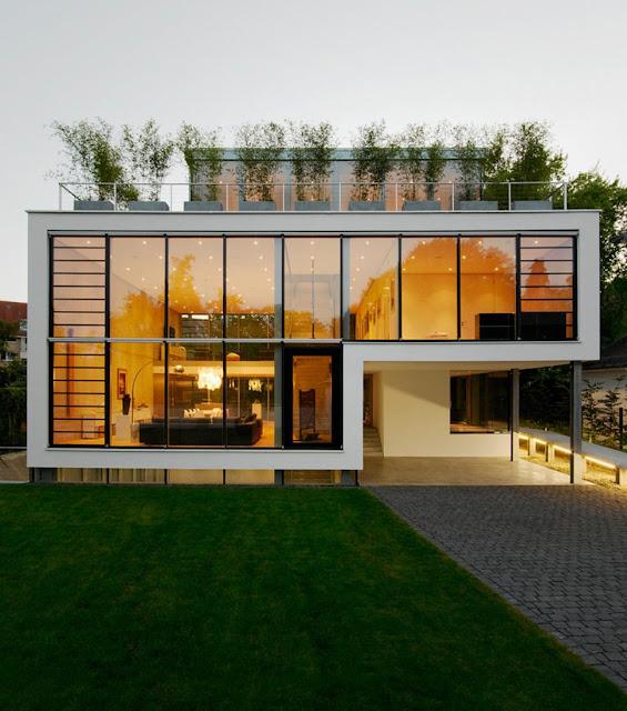 แบบบ้านสี่ชั้นผนังกระจก
