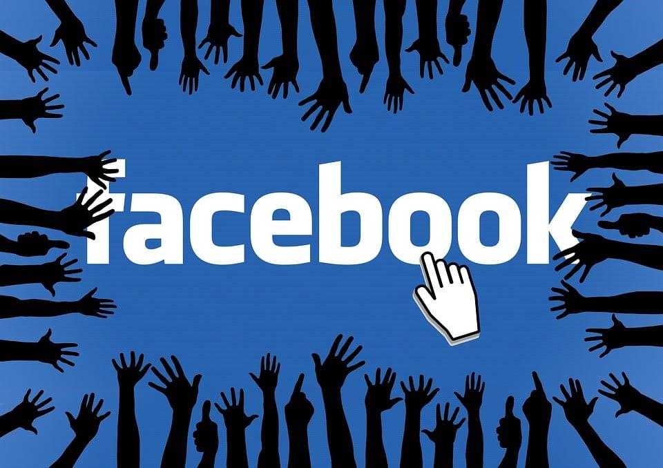 Facebook के बारे में 18 रोचक तथ्य - Interesting Facts about Facebook in Hindi,Amazing Facts about Facebook in Hindi - फेसबुक के बारे में 18 मजेदार तथ्य