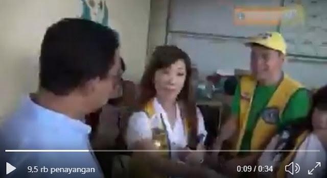 Bukti Video Kejadian Sebenarnya... Anies Diminta Untuk Simbolis Menyerahkan Bantuan Telur, Malah Difitnah Nebeng Acara Baksos