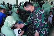 Kunjungi Banten, Pangkostrad Ajak Keluarga Prajurit Kostrad Laksanakan Vaksinasi