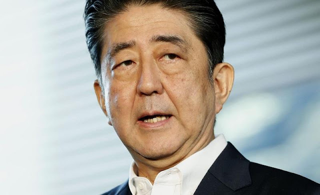 Пожар избухна в самолета на японския премиер Шиндзо Абе