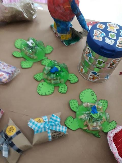 Exposição de Sucata Projeto Reciclar e Brincar