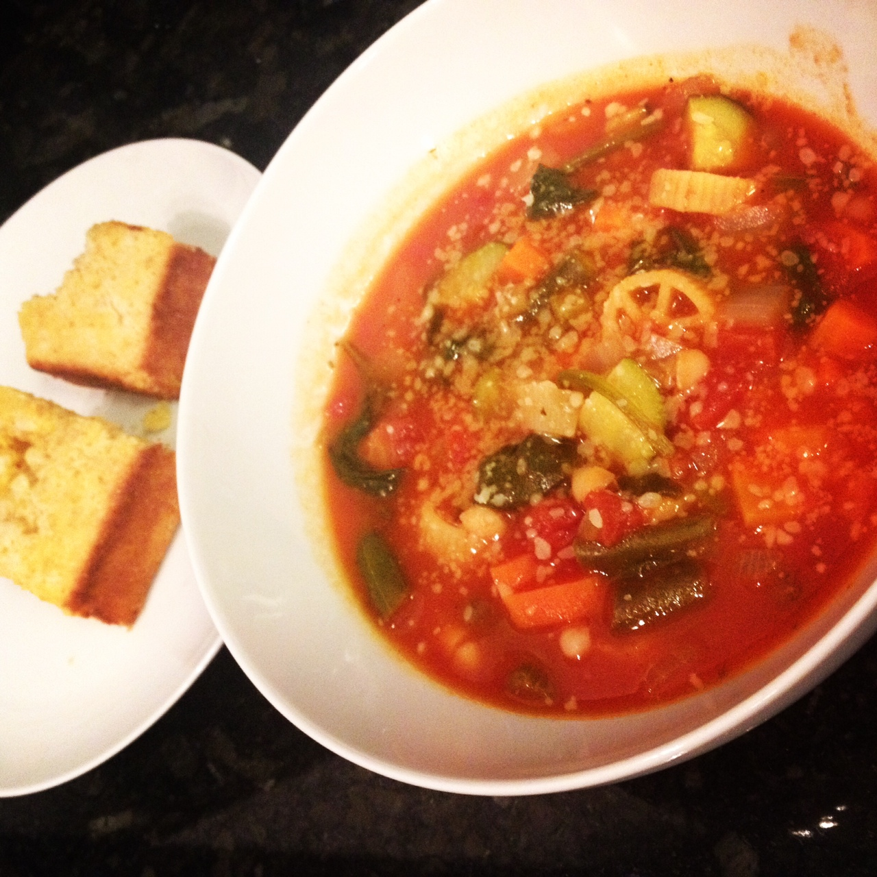 Running On Happy: Meatless Monday: Easy Minestrone Soup