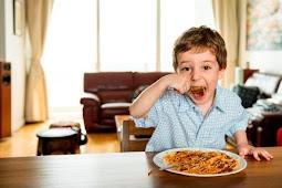 Bukan Hanya Makan-Minum, 9 Hal Ini Juga Dapat Membatalkan Puasa!