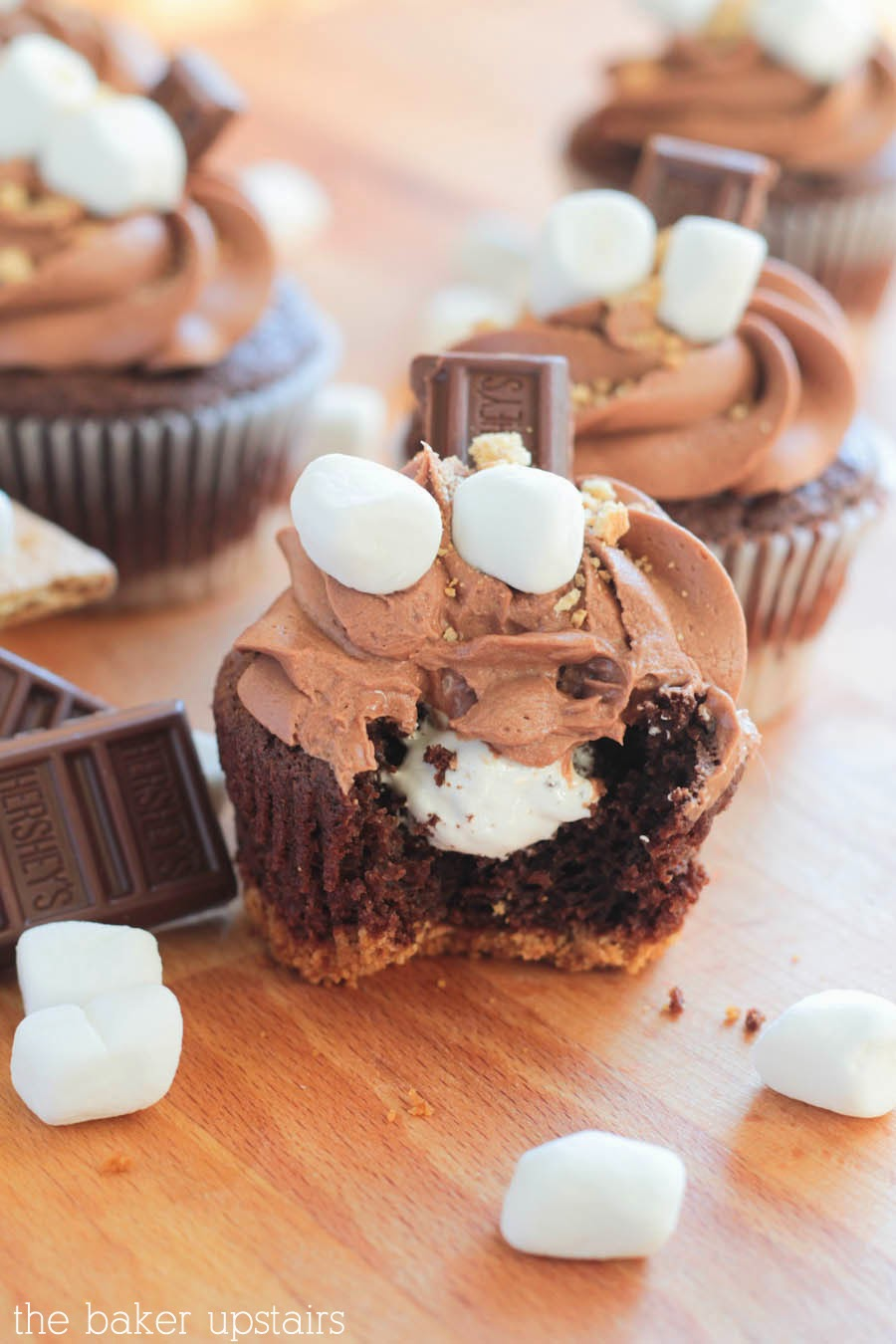 These delicious s'mores cupcakes have all the flavors you love in s'mores, but in a fun cupcake form!