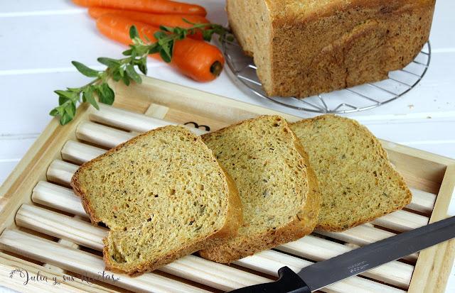 Pan integral de zanahoria y orégano. Julia y sus recetas