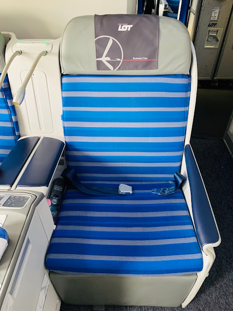 LOT Polish Airlines LO31 Business Class Boeing 787-8 Budapest (BUD) to Chicago O'Hare (ORD)